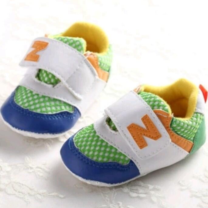 f12e78382 Déjate sorprender por nuestras deportivas para bebés sin suela por ...