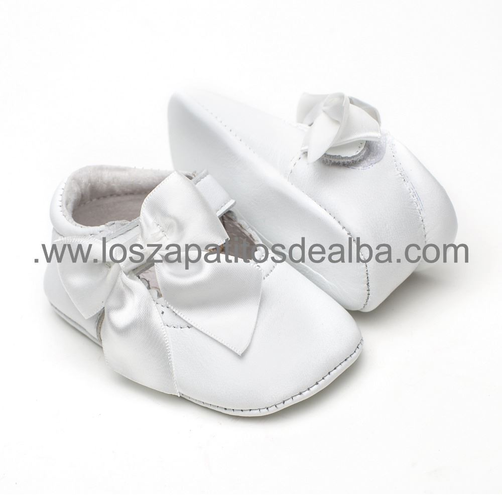 ba0c388f849 ... Merceditas bebé blanca con Lazo (1) ...
