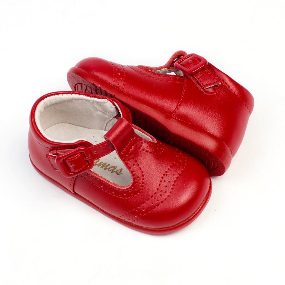 8448c477 ... Pepito bebe rojo con troquelado inglés (2)
