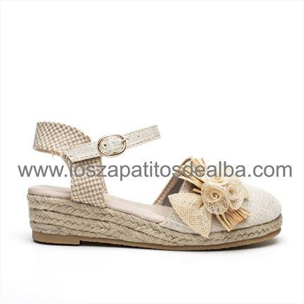 95d0f1a5257 Comprar Zapatos Niña Comunion Beige baratas ...